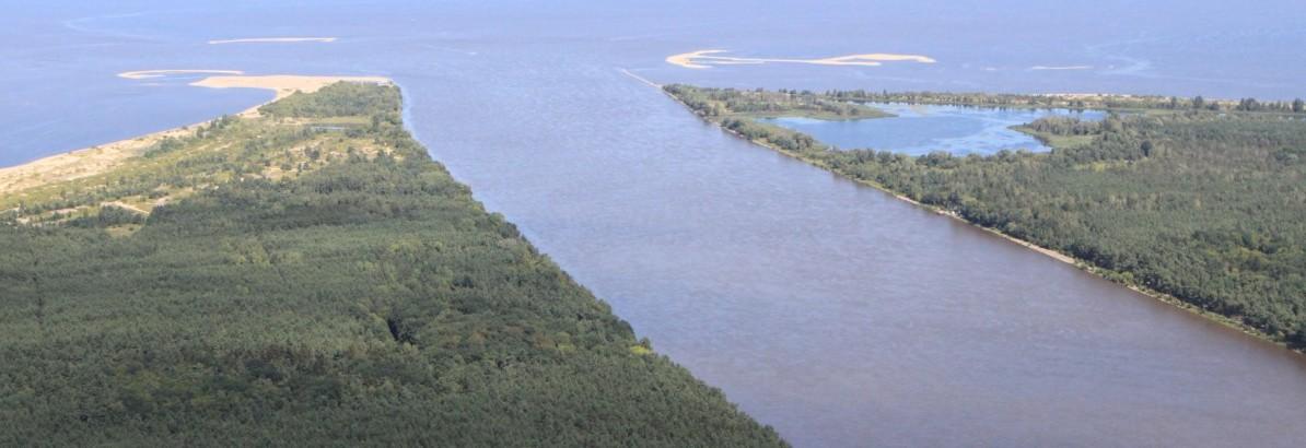 Ujście Wisły w Mikoszewie widziane z lotu ptaka.