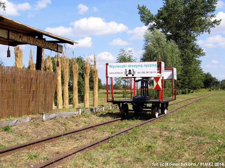 Drezyna ręczna PTMKŻ na stacji w Ostaszewie była jedną z atrakcji Dni Edukacji Kulturalnej, fot. K. Sykała