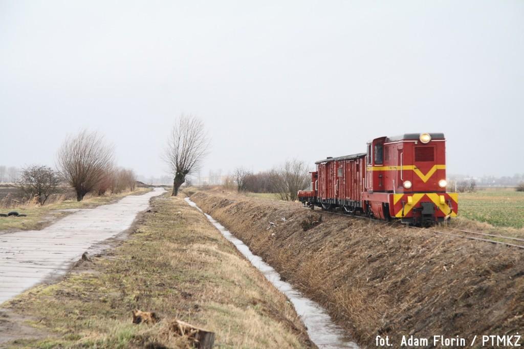 Lxd2-315 z poc. specjalnym zbliża się do Orłówka, fot. A. Florin