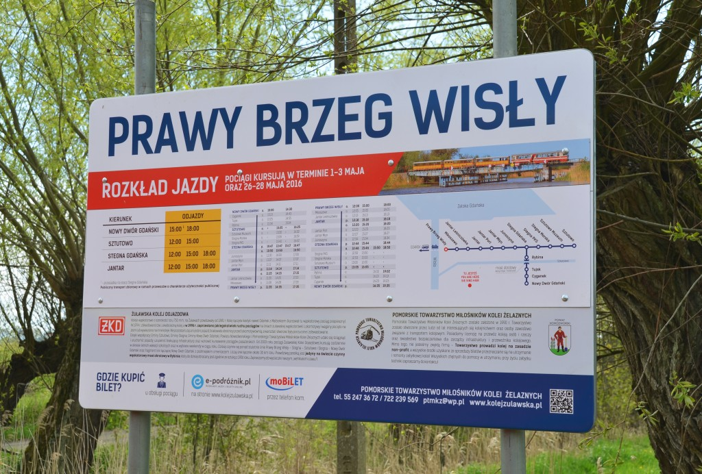 Nowa tablica informacyjna na stacji Prawy Brzeg Wisły. Fot. Przemysław Strzyżewski