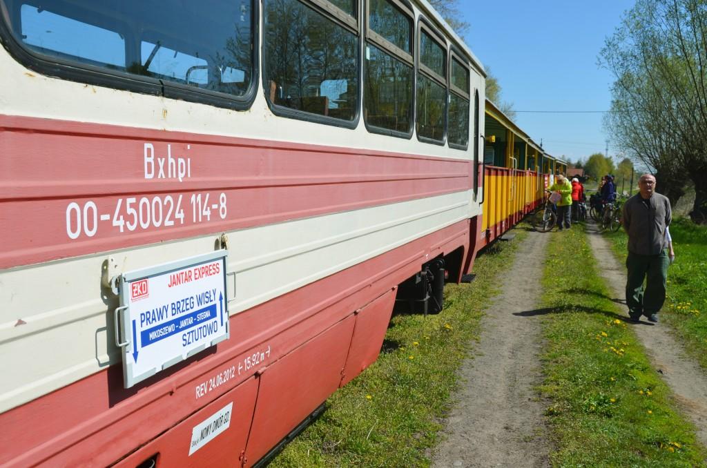 Tablica kierunkowa pociągu Prawy Brzeg Wisły - Sztutowo. Fot. Przemysław Strzyżewski