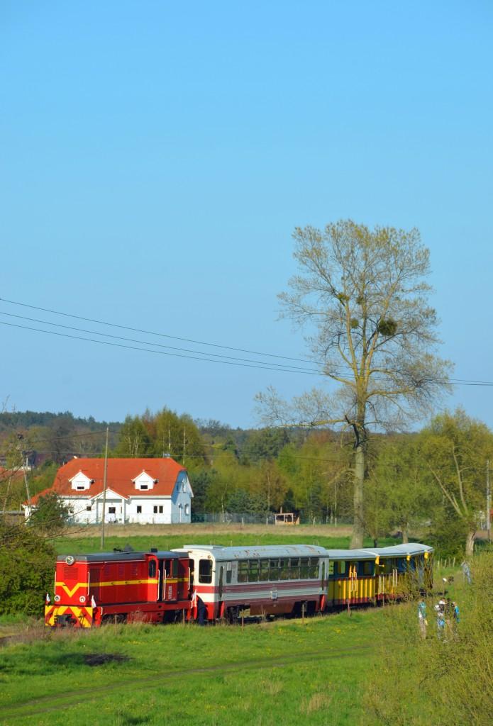 Stacja Prawy Brzeg Wisły. Widok z pobliskiego wału, na który w przeszłości również wjeżdżały pociągi Gdańskich Kolei Dojazdowych. Fot. Przemysław Strzyżewski