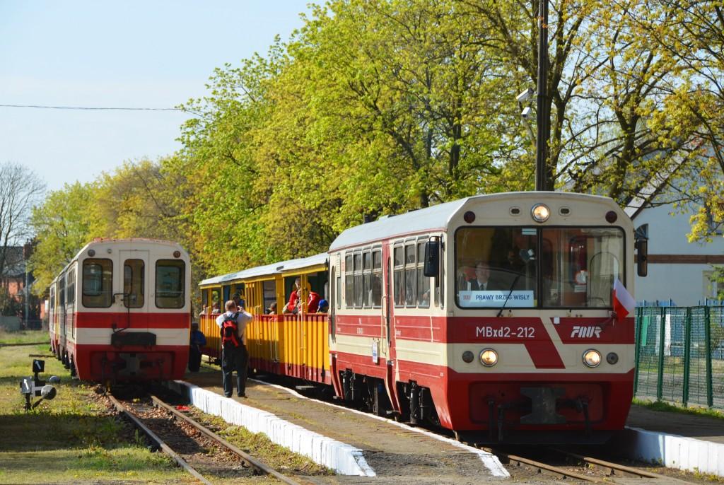 Nowy Dwór Gdański. Poranny pociąg do Prawego Brzegu Wisły oczekuje na odjazd. Fot. Przemysław Strzyżewski