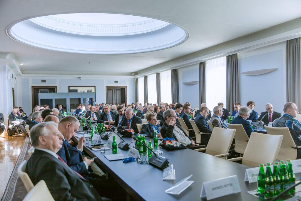 Uczestnicy konferencji podczas czytania referatów. Fot. Archiwum PKP Cargo S.A.