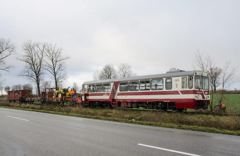Pociąg roboczy w miejscowości Cyganek, 05.01.2019. Fot. Przemysław Strzyżewski.
